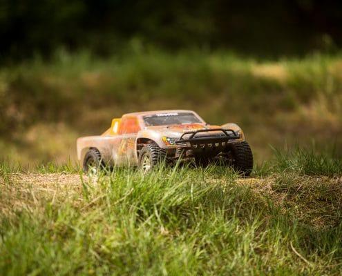 Racen met radiografisch bestuurbare auto's
